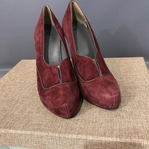 United Colors of Benetton Suede Heels size 38